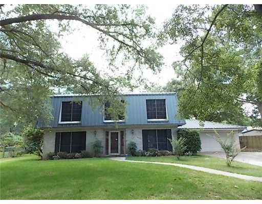 3943 River Pine Dr, Moss Point, MS 39563