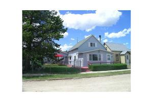 607 S Adams Ave, Red Lodge, MT 59068