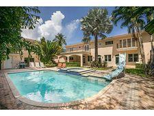 5040 Lakeview Dr, Miami Beach, FL 33140