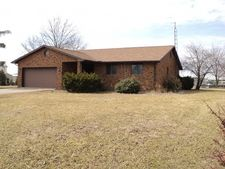 505 W End, Newton, IL 62448