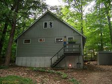 4 Loon Ln, Bridgton, ME 04009