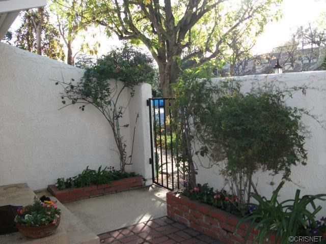 6230 Shoup Ave, Woodland Hills, CA 91367