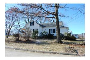 32-34 Melrose Ave, Danbury, CT 06810