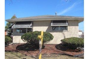 10901 S Kilbourn Ave, Oak Lawn, IL 60453
