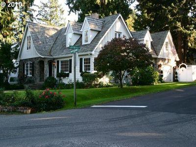 282 Greenwood Rd, Lake Oswego, OR
