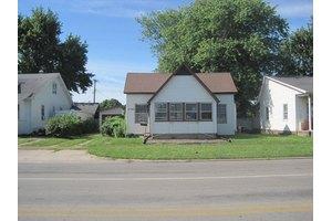 2105 Marshall Ave, Mattoon, IL 61938
