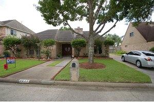 3427 Ashfield Dr, Houston, TX 77082