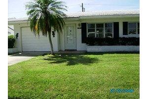 3740 Mainlands Blvd N # 3, Pinellas Park, FL 33782