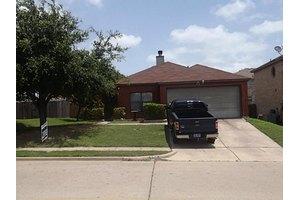 449 Capricorn St, Cedar Hill, TX 75104