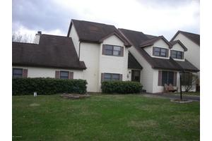 511 Country Hill Ln, Effort, PA 18330