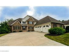 4882 Red Fox Dr Nw, Massillon, OH 44646