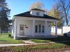 16 E Church St, Bowling Green, MO 63334