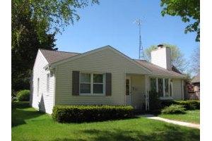 429 Blackstock Ave, Sheboygan, WI 53083