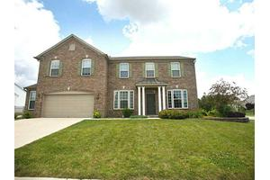 1203 Lexington Woods Dr, Avon, IN 46123