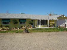 52081 Redbud Ln, Squaw Valley, CA 93675