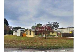 1389 Rainville Rd, Tarpon Springs, FL 34689