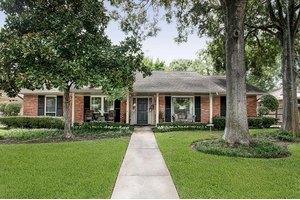 7727 Meadowvale Dr, Houston, TX 77063