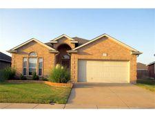 9621 Brenden Dr, Fort Worth, TX 76108