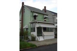 5 E Lehigh St, Coaldale, PA 18218