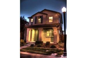 5281 Noyack Way, Sacramento, CA 95835