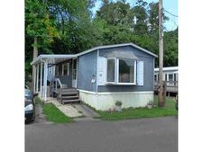 18 Square Hill Rd, New Windsor, NY 12553
