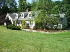 106 Indian Cave Rd, Ridgefield, CT 06877