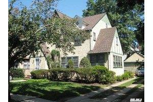 102 Marlborough Rd, West Hempstead, NY 11552