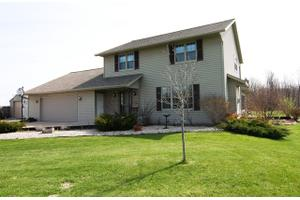 5268 McDermid Dr, Town of Oconto Falls, WI 54154