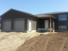 1429 2nd Ave W, New England, ND 58647
