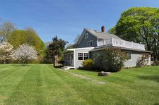 45 Burns Rd, Shelter Island, NY 11964