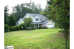 255 Hunter Rd, Fountain Inn, SC 29644