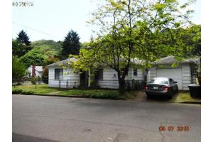 1513 W Brown Ave, Roseburg, OR 97471