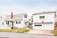 22 Cottage St, Westover, WV 26501