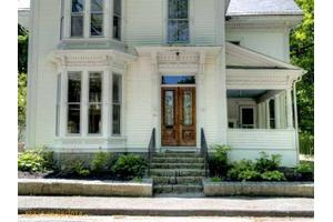 84 Talbot Ave, Rockland, ME 04841