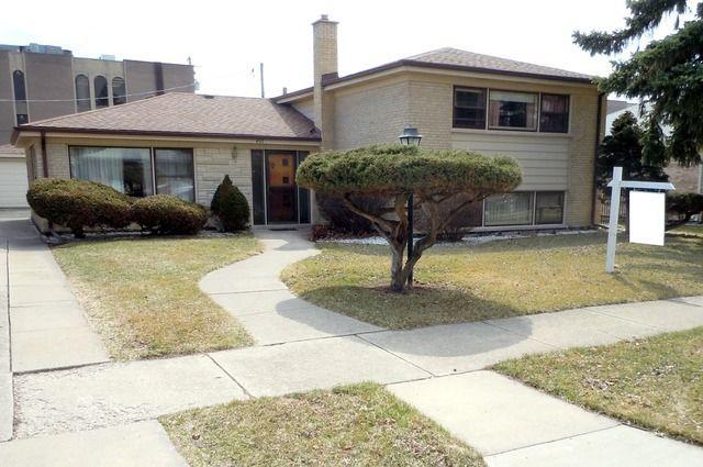 4517 W 102nd Pl Oak Lawn, IL 60453
