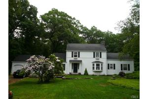 69 Flat Rock Dr, Easton, CT 06612
