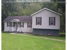 468 Center St, Clay, WV 25043