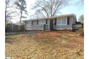 302 Marion Ave, Spartanburg, SC 29306