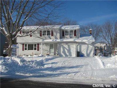 7987 Spruce Hill Dr, Clay, NY