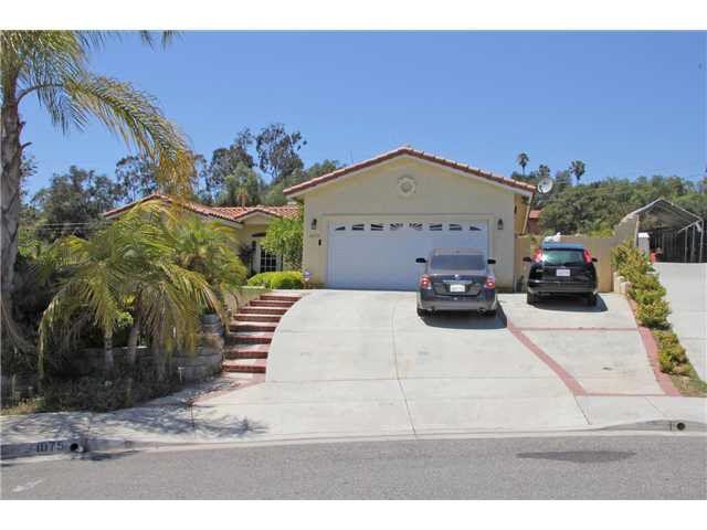 1075 Lindy Ln, Vista, CA