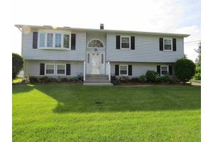 3 Mountain View Ave, Crawford, NY 12566