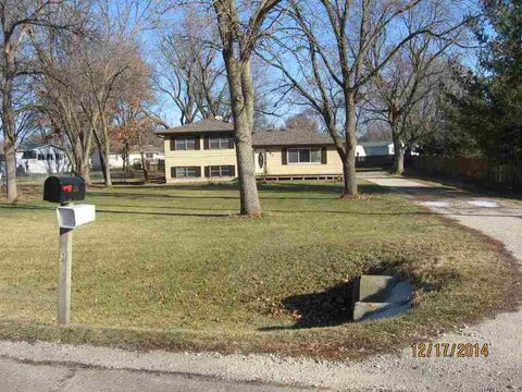 Photo of 707 Gilbertville Rd, Elk Run Heights, IA 50707
