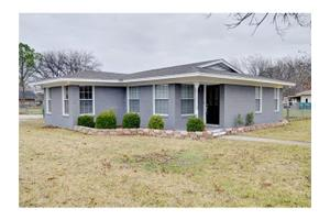 701 Plaza Dr, Fort Worth, TX 76140