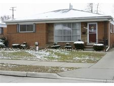 28519 Jane St, St Clair Shores, MI 48081