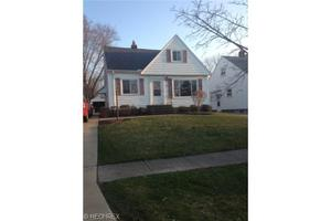 10211 Halcyon Dr, Parma Heights, OH 44130