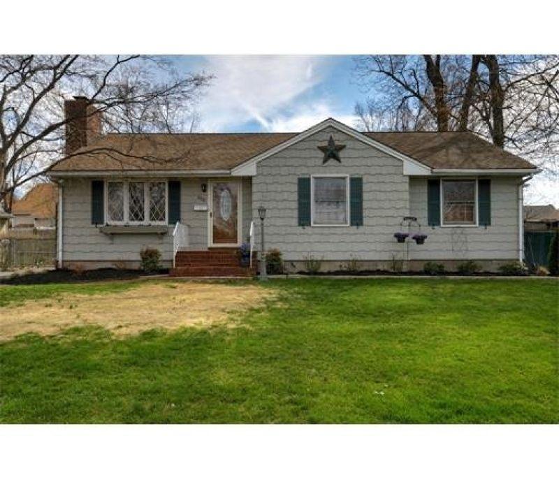 808 Coolidge Ave, Woodbridge, NJ 07095 - realtor.com®