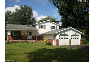 5612 Springlake Rd NW, Canton, OH 44718