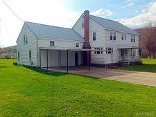 575 Parkside Dr, Carrollton, NY 14753