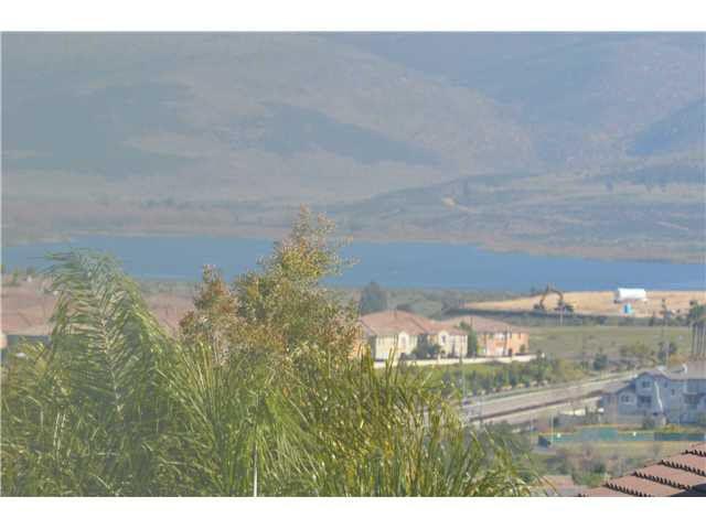 1323 S Hills Dr, Chula Vista, CA