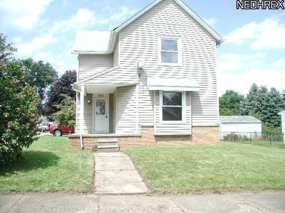 1061 Oak Ave, Barberton, OH